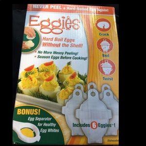 Gift idea brand new in box EGGIES maker